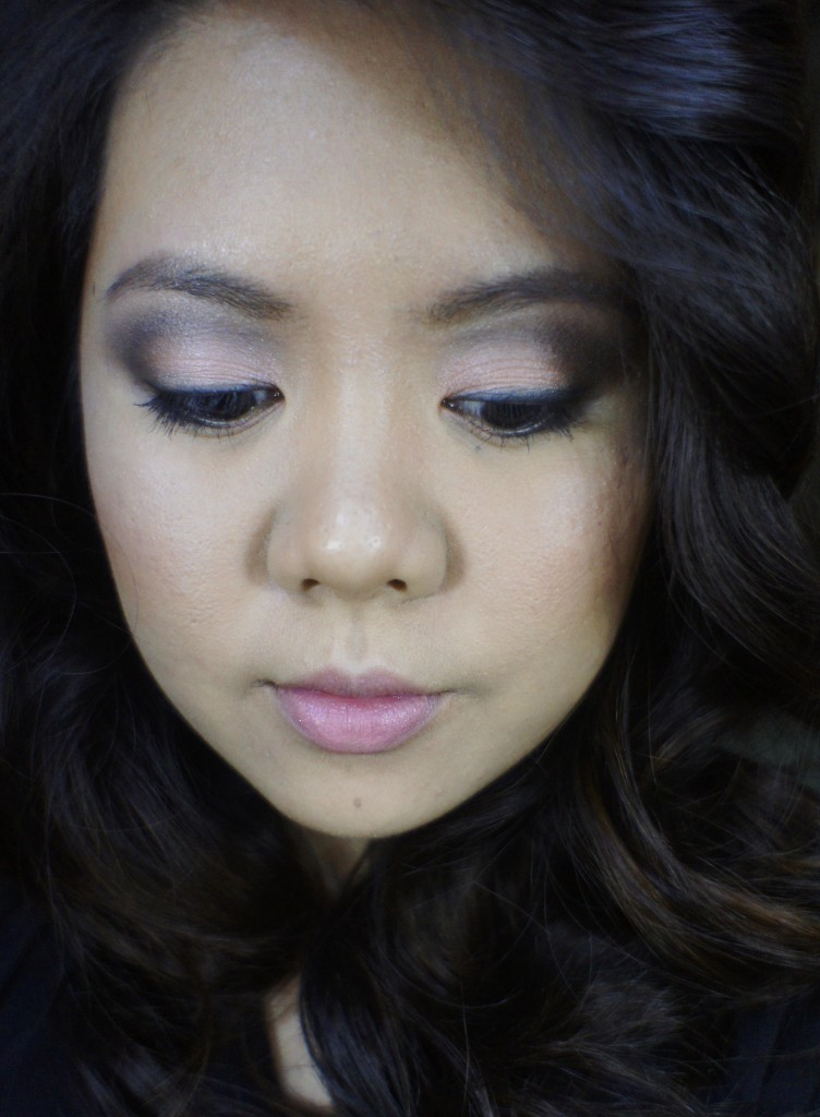 smoky peach makeup