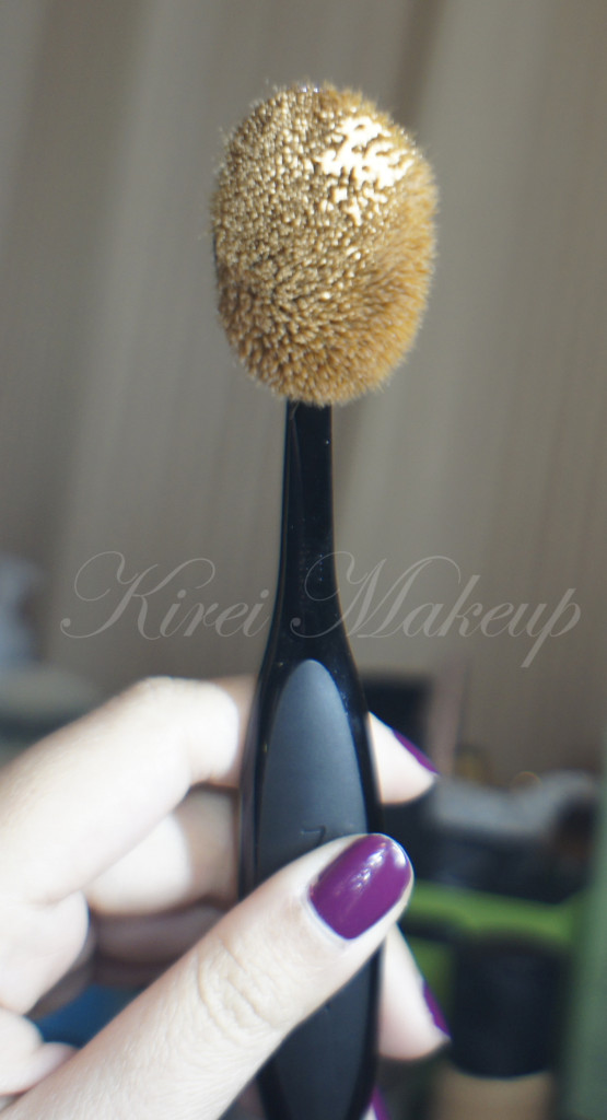 MAC Oval 6 brush review