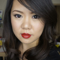 red lips holiday makeup