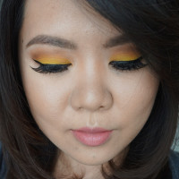 yellow eye makeup look